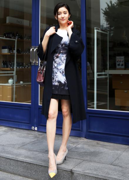 Wide Collar Chiffon Coat