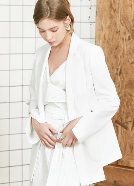 [시즌오프40%할인/CLUE DE CLARE]slit unbalance jacket White