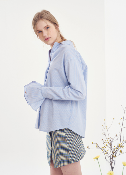 [VEMVER/10%] NOTCHED COLLAR BELL SLEEVE SHIRTS