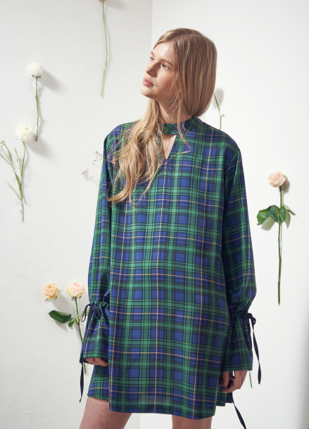 [VEMVER/10%] NECK POINT BELL SLEEVE CHECK ONEPIECE