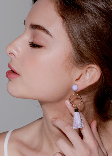 [TATIANA/15%]PALE PURPLE TASSEL EARRING