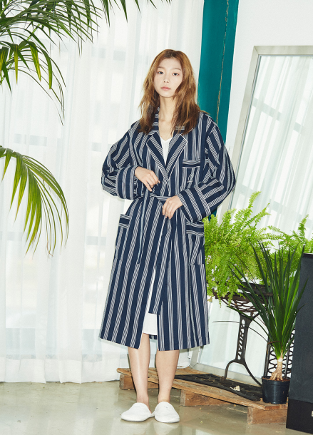 [CROQUIS GLOW]SEERSUCKER DREAMER ROBE - NAVY STRIPE (남여공용)