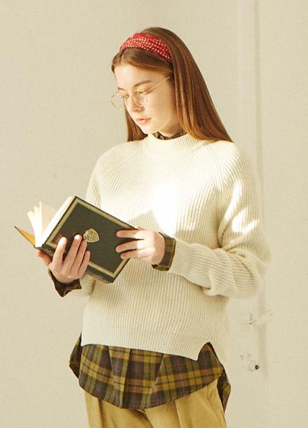 [IHATEMONDAY] Lambswool Knit Ivory