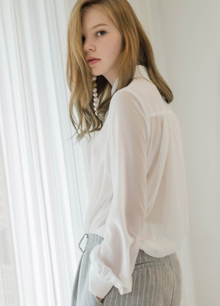 [Sorry, Too Much Love/시즌오프 15%+5%] four Seasons chiffon blouse-white