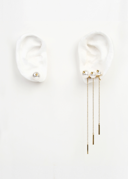 GOLD PEARL WING EARRING [DL17FWER11GDF]
