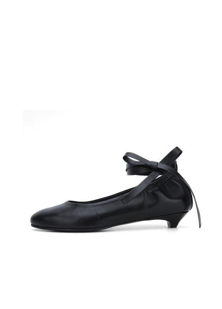 Ribbon Strap Flat Shoes
