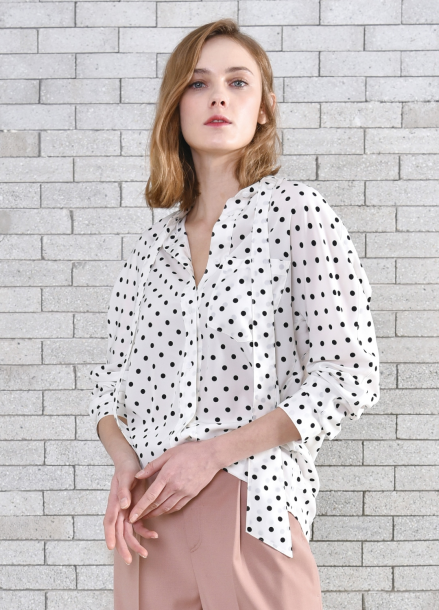 [PINBLACK/단독20%+5%SALE] Dot tied neck blouse IVORY