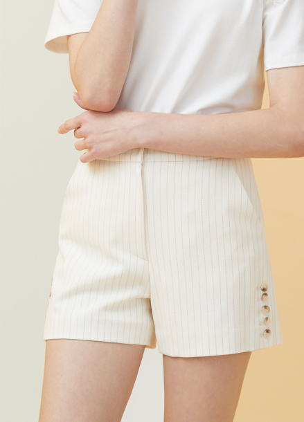 [MILLOGLEM/18SS 5%SALE]Side Button Pinstriped Shorts - ivory