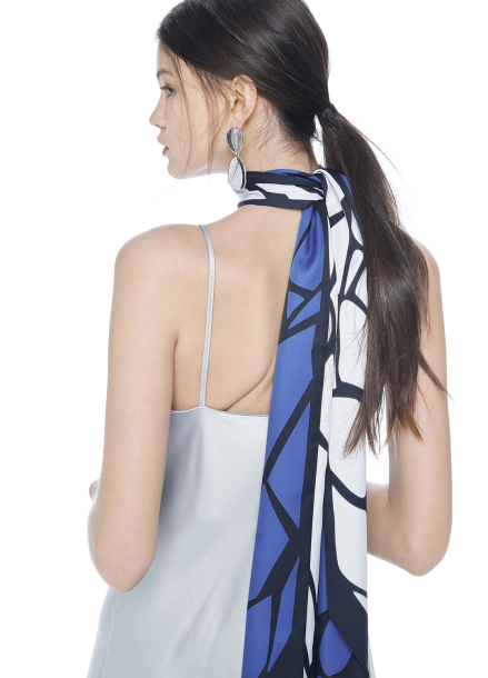 [THE SUIN/18SS 20%+5% 쿠폰] REVERSIBLE LONG TIE SCARF .BLUE/IVORY