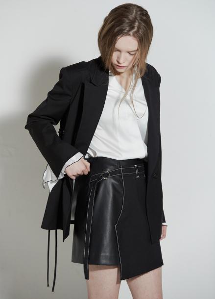 [CLUE DE CLARE/18SS 5%+5% 쿠폰] Pants detail skirt Black