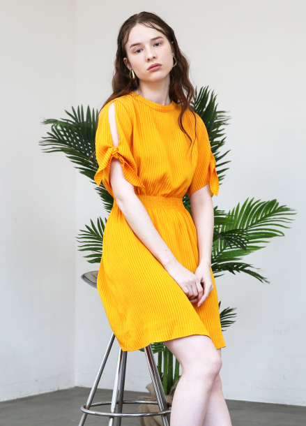 [5%할인+5%쿠폰/SALON DE YOHN]Slit Sleeve Dress_Yellow