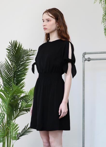 [단독★15%할인/SALON DE YOHN] Slit Sleeve Dress_Black
