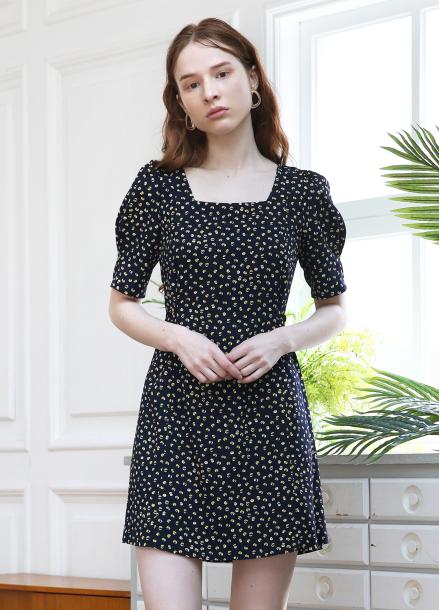 [5월 24일 예약배송][5%할인+5%쿠폰/SALON DE YOHN]Dot Puff Shoulder Dress_Navy