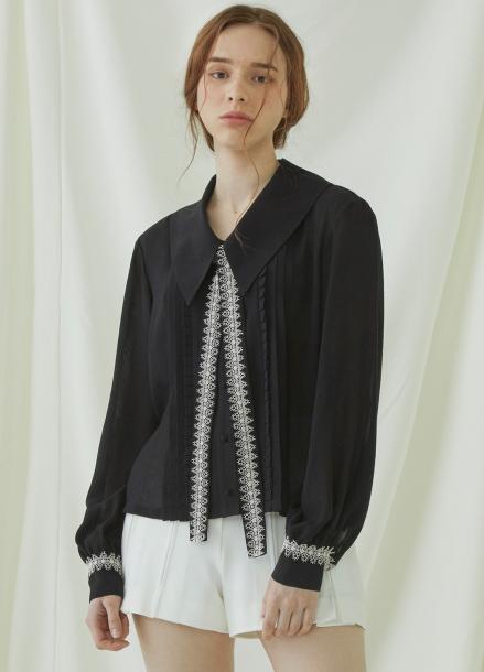 [★시즌오프40%할인/Millogrem] Pleats Lace Binding Blouse - black