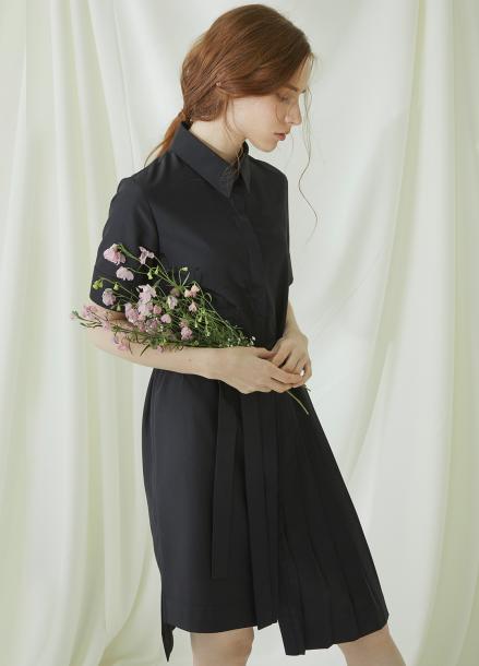 [★시즌오프40%할인/Millogrem] Partial Pleats Dress - black