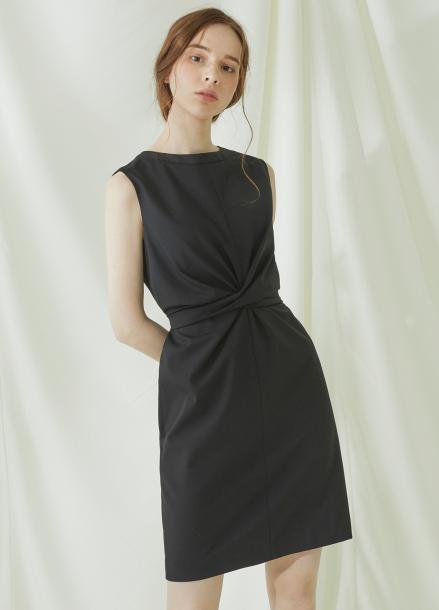 [★시즌오프40%할인/Millogrem] Wrap Wool Onepiece - black