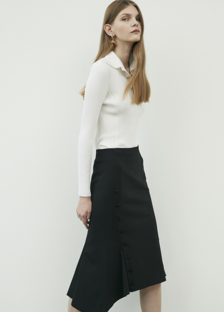 Side Button Point Flair Skirt