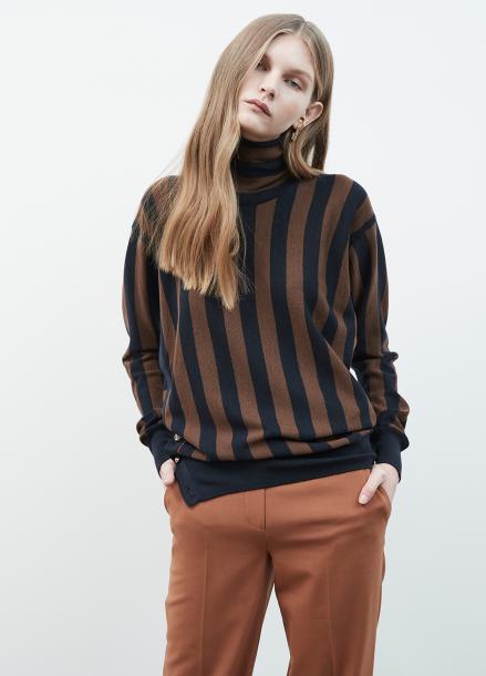 Side Gold Button Stripe Pullover