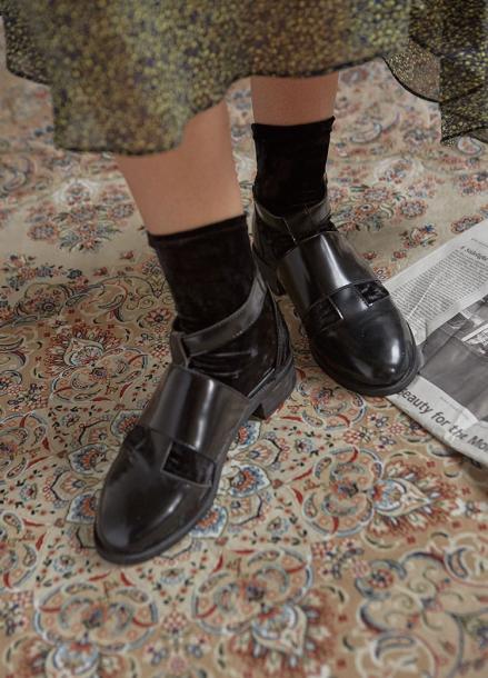 [IHATEMONDAY/10%]  Velvet Socks Black