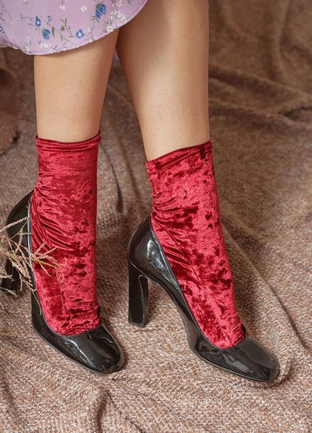 [IHATEMONDAY/10%]  Velvet Socks Red