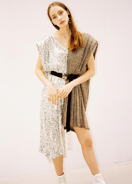 [10%할인/THE ASHLYNN] ROMANE POWER SHOULDER SEQUINED DRESS