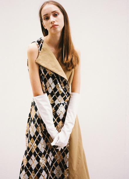 [10%할인/THE ASHLYNN] JOSEPHINE ARGYLE SEQUINED TRENCH DRESS