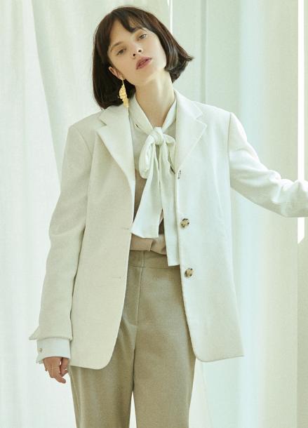 [5%할인/CLUE DE CLARE] tuck detail corduroy jacket Ivory