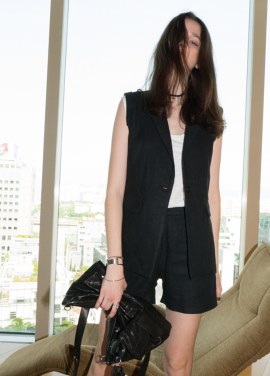 [J Apostrophe/45%] Mini linen vest_BLACK
