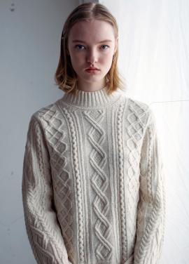 [[MOONHEE/시즌오프20%]Blend multi turtleneck sweater[CREAM]