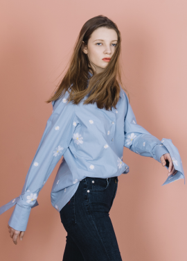 [THE SUIN 봄신상 20%]OVERSIZED TIE CUFFS SHIRT ( SKY BLUE )