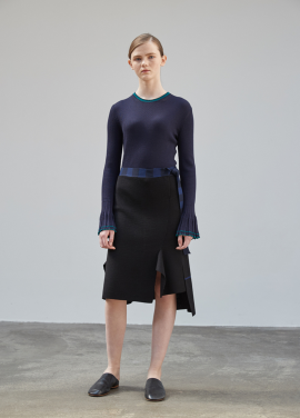 [MOONHEE/고객감사30%SALE] Sleeve Wide Cuffs Rib Top [D/NAVY]