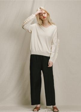 [URAGO]v neck frill point knit