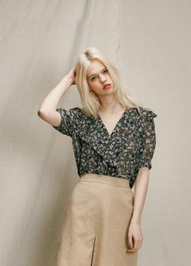 [URAGO]flower frill blouse