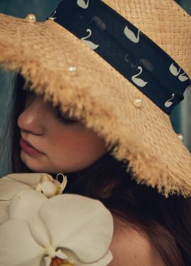 [LAFETE] Swan pearl hat no.1