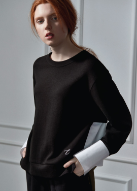 [CLUE DE CLARE/10월16일순차배송]back flare sweat shirt black