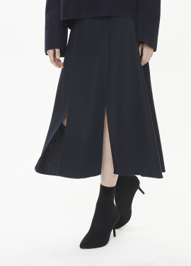 [THESUIN /FW 기간한정 20%세일]Side Slit Midi Skirt. Deep Navy