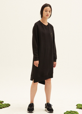 E-BAND POINT OBLIQUE LINE SWEATDRESS(BK)
