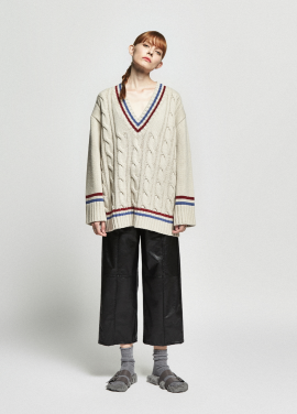 [URAGO/OCTOVER신상/5%+5%COUPON]twist v neck boxy knit