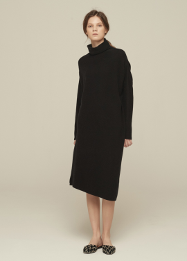 [GRE1SCALE/NEW/GLITTER양말증정+5%쿠폰]100% PURE CASHMERE ASYMMETRIC TURTLENECK DRESS_ BLACK