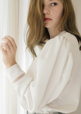 [Sorry, Too Much Love/입점기념/10%+5%] volume sleeve satin blouse