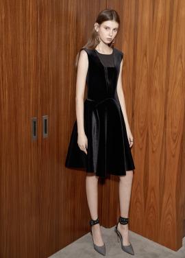 Velvet Flare Sleeveless Dress [최윤영 착용]