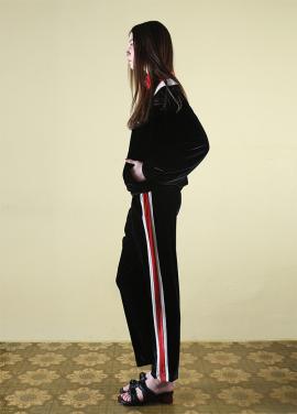 [CLUT STUDIO/2월22일예약배송] 0 3 velvet track pants - black