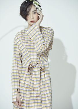 [30%할인+10%쿠폰] Strap Detail Round Neck Dress