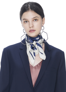 [THE SUIN/18SS 20%+5% 쿠폰] DOT SQUARE SCARF .NAVY/IVORY