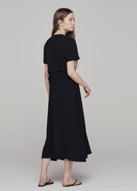 [18SS 5%할인쿠폰/GRE1SCALE]V-NECK DRAPERY DRESS_BLACK