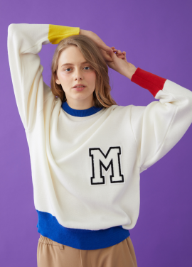 COLOR BLOCK M PATCH SWEATER WHITE