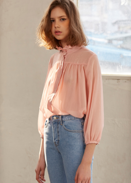 [10%+5%/Sorry,Too Much Love] shiny ruffle blouse