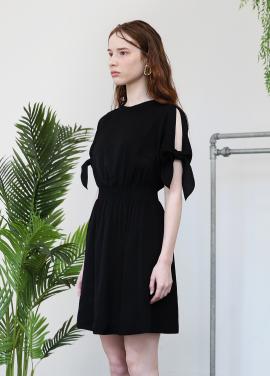 [5%할인+5%쿠폰/SALON DE YOHN]Slit Sleeve Dress_Black