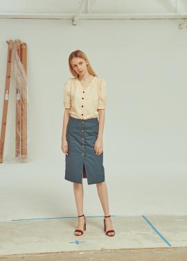 ◆Button Point H Line Skirt