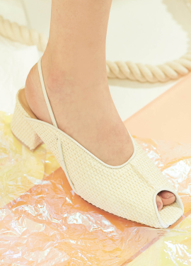 [9%할인/WITE] C12 - CREAM RATTAN SLING BACK
